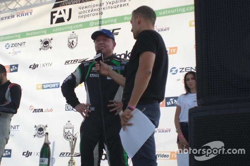 Ігор Скуз коментує гонку Максиму Подзігуну