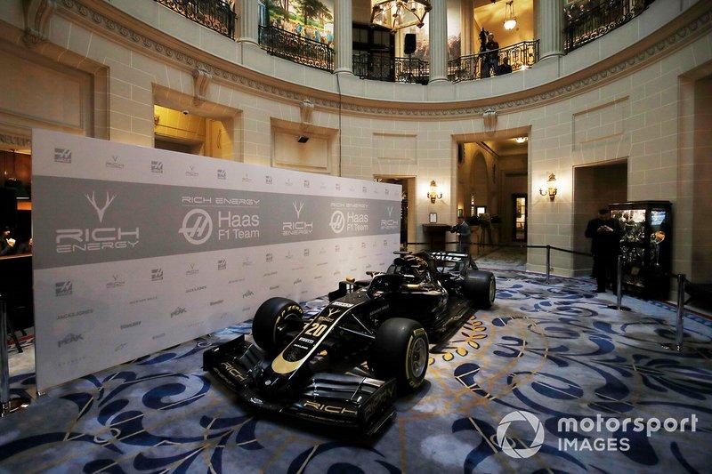 Haas F1 Team VF-18, 2019 görünümü ile
