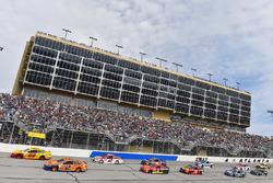 Joey Logano, Team Penske, Ford; Brad Keselowski, Team Penske, Ford