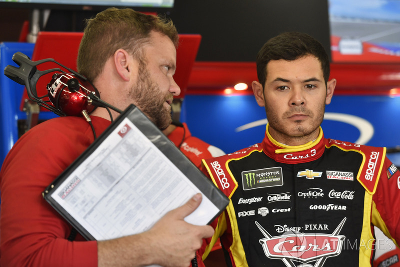 Kyle Larson, Chip Ganassi Racing Chevrolet, mit Crewchief Chad Johnston