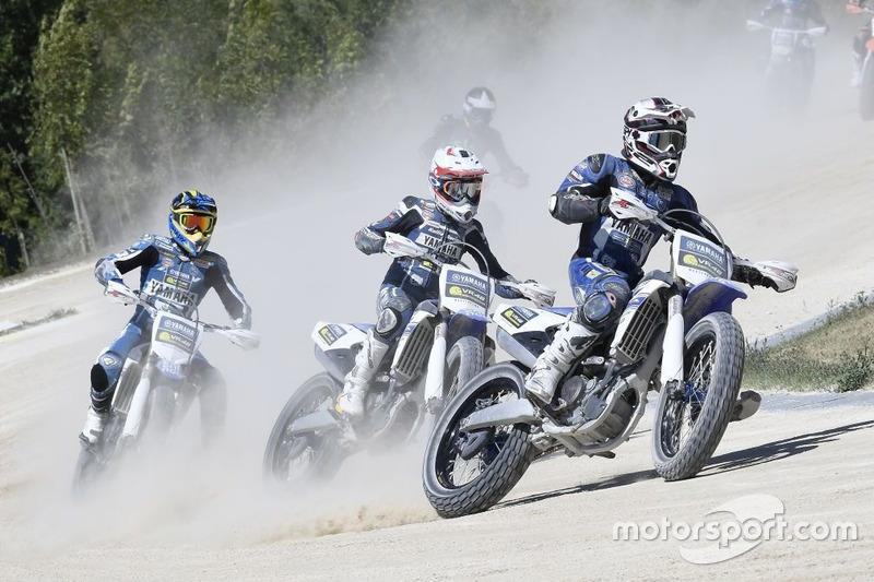 Гонка на флет-треці VR46 Motor Ranch, Микита Калінін лідирує