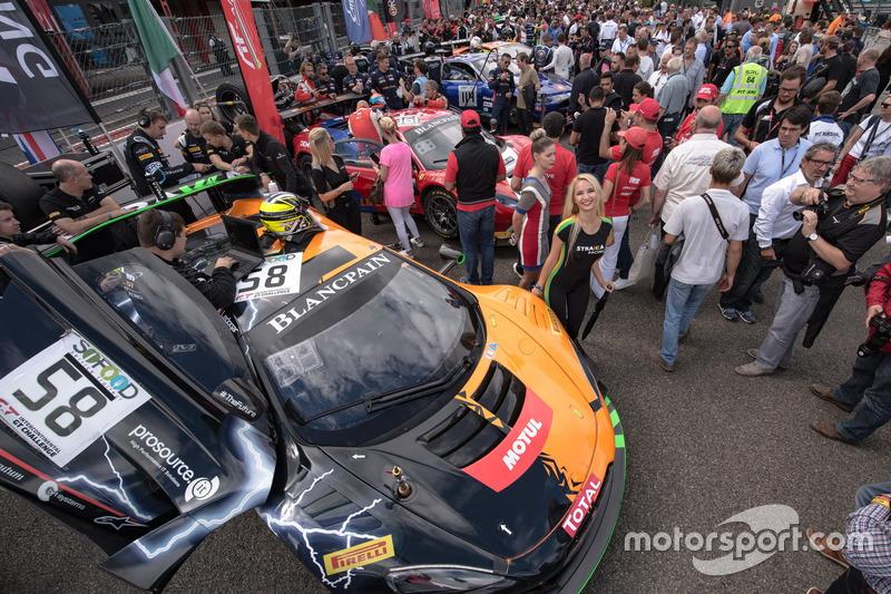 #58 Strakka Racing McLaren 650 S GT3: Côme Ledogar, Rob Bell, Ben Barnicoat