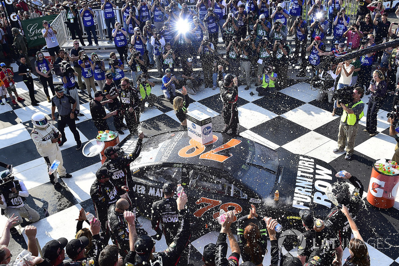 #4: Martin Truex Jr., Furniture Row Racing Toyota