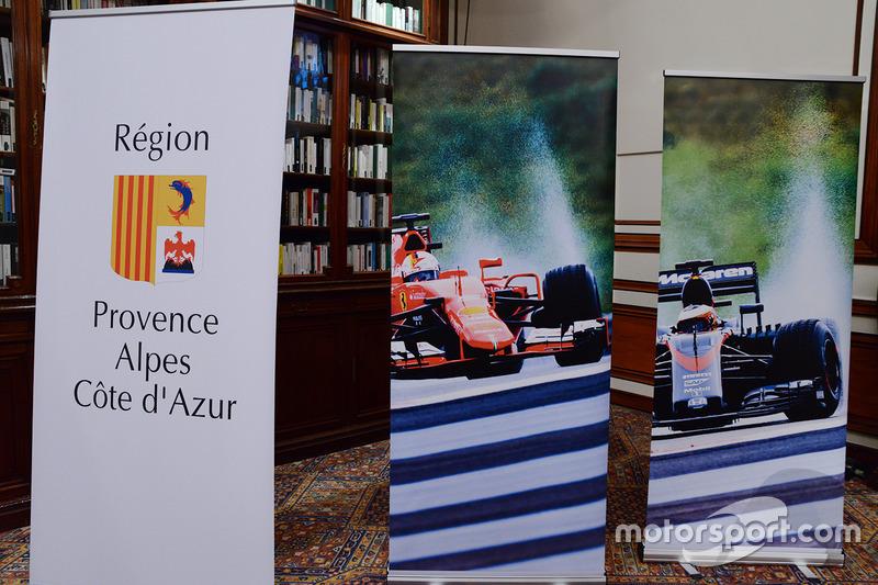 Señalización de conferencia de prensa GP de Francia