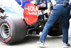 Pierre Gasly, Scuderia Toro Rosso STR12 rear