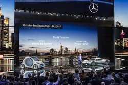 Dr. Dieter Zetsche, Chairman of the Board of Management of Daimler AG and Head of Mercedes-Benz Cars, with the showcar Mercedes-AMG Project ONE and the smart vision EQ fortwo