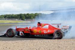 Sebastian Vettel, Ferrari SF70H spin atıyor