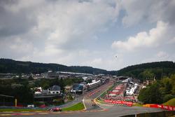 Кімі Райкконен, Ferrari SF70H, Макс Ферстаппен, Даніель Ріккардо, Red Bull Racing RB13, на установчому колі