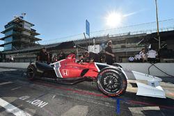أوريول سيرفيا يختبر سيارة هوندا 2018