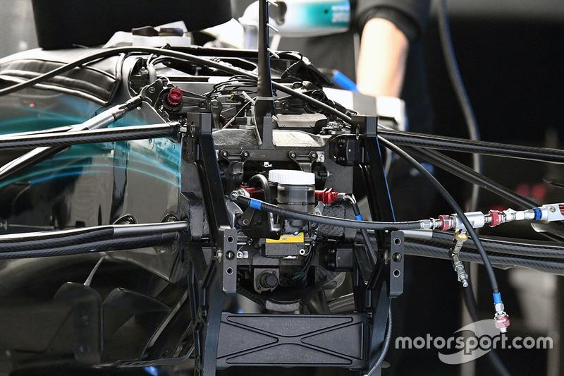 Mercedes AMG F1 W08, sospensione anteriore