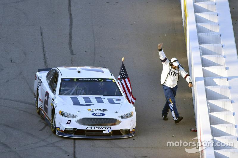 7. Ganador de la carrera Brad Keselowski, Team Penske Ford