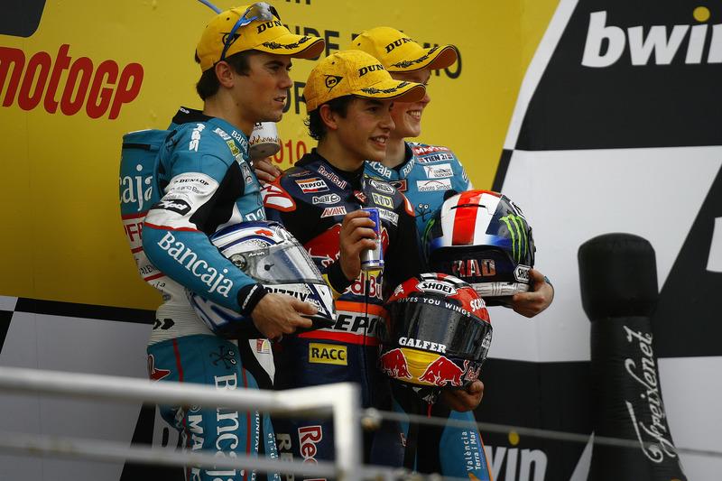 Le podium du GP du Portugal 2010 de 125cc : Marc Márquez, Nicolás Terol, Bradley Smith