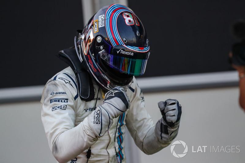 Na corrida seguinte, uma surpresa: bateu Massa no treino classificatório pela primeira vez e obteve um pódio com o terceiro lugar.