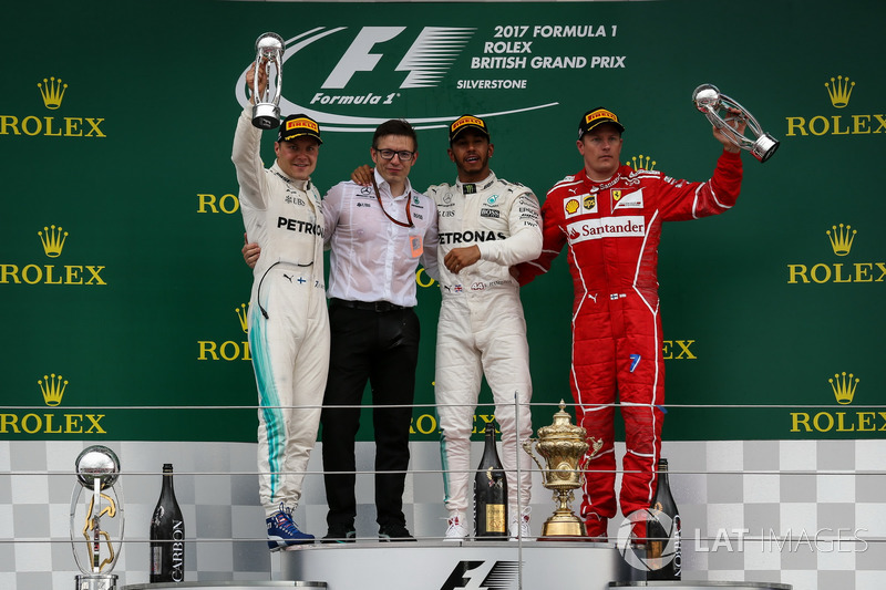 Britanya GP, Podyum: Yarış galibi Lewis Hamilton, Mercedes AMG F1, 2. Valtteri Bottas, Mercedes AMG F1, 3. Kimi Raikkonen, Ferrari