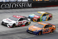 Joey Logano, Team Penske, Ford; Erik Jones, Furniture Row Racing, Toyota; Kyle Busch, Joe Gibbs Racing, Toyota