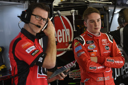 Christopher Bell, Joe Gibbs Racing, Ruud Toyota Camry y Jason Ratcliff