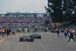 Fans stürmen die Strecke beim GP Kanada 1995 in Montreal