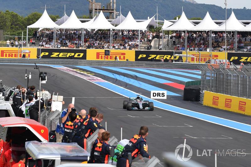 Il vincitore della gara Lewis Hamilton, Mercedes AMG F1 W09