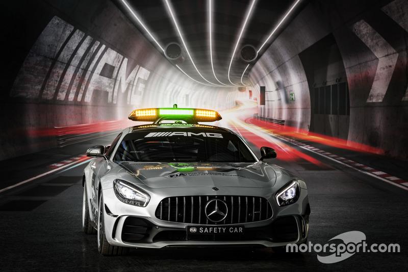Машина безпеки Ф1 2018 року - Mercedes-AMG GT R