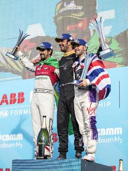 Podio: ganador de la carrera Jean-Eric Vergne, Techeetah, segundo lugar Lucas di Grassi, Audi Sport ABT Schaeffler, y tercer lugar Sam Bird, DS Virgin Racing