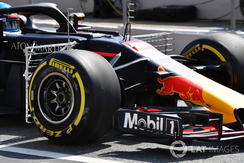 Red Bull Racing RB14 with aero sensors