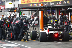 Kevin Magnussen, Haas F1 Team VF-18, makes a pit stop