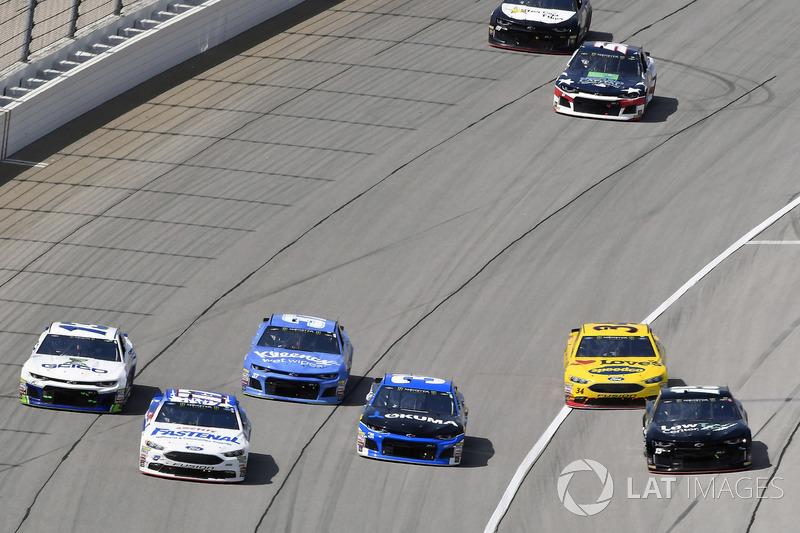 Ricky Stenhouse Jr., Roush Fenway Racing, Ford Fusion Fastenal e Ryan Newman, Richard Childress Racing, Chevrolet Camaro