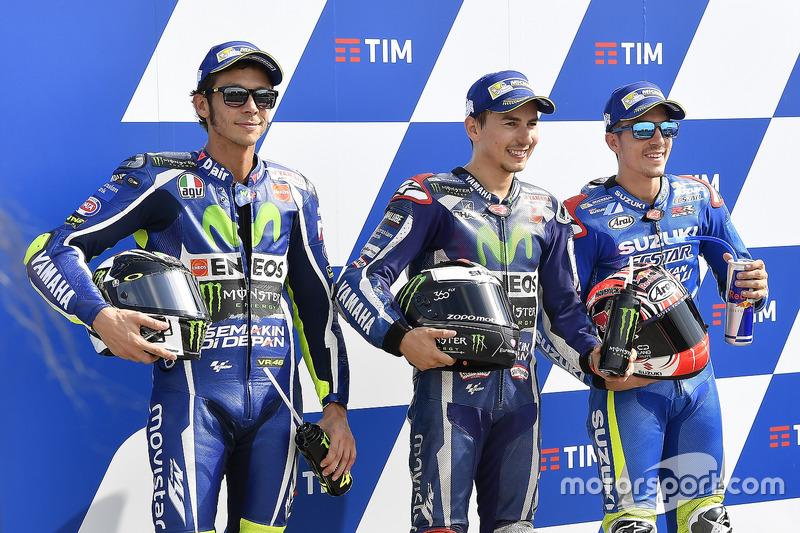 Polesitter Jorge Lorenzo, Yamaha Factory Racing, second place Valentino Rossi, Yamaha Factory Racing, third place Maverick Viñales, Team Suzuki Ecstar MotoGP