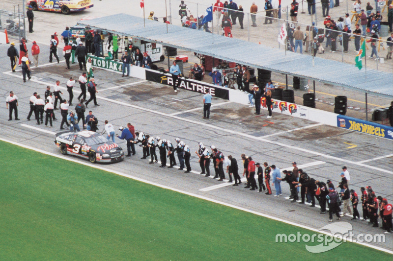3. 1998 Daytona 500 - 20 years of frustration