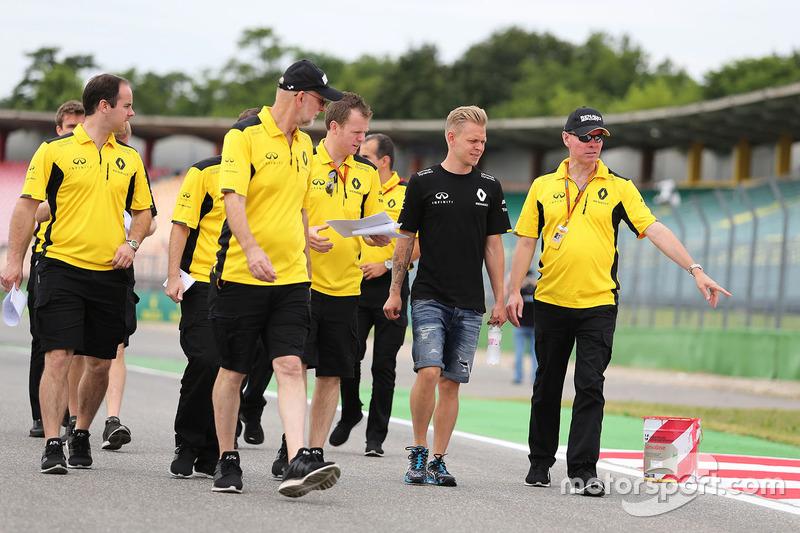 Kevin Magnussen, Renault Sport F1 Team, und Alan Permane, Renault Sport F1 Team