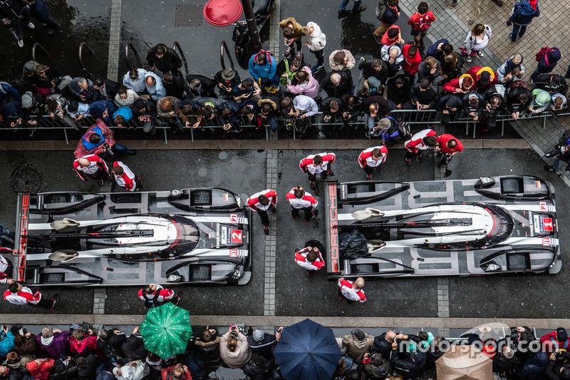 #1 Porsche Team Porsche 919 Hybrid et #2 Porsche Team Porsche 919 Hybrid