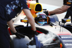 Daniel Ricciardo, Red Bull Racing, pit stop action