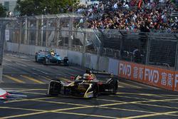 Jean-Eric Vergne, Techeetah, leads Oliver Turvey, NIO Formula E Team