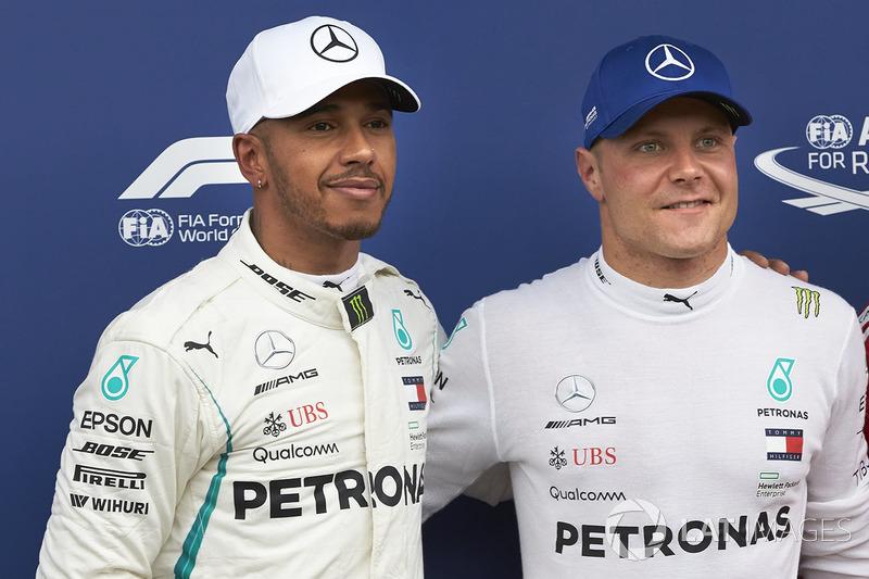 Le poleman Valtteri Bottas, Mercedes AMG F1, le deuxième Lewis Hamilton, Mercedes AMG F1