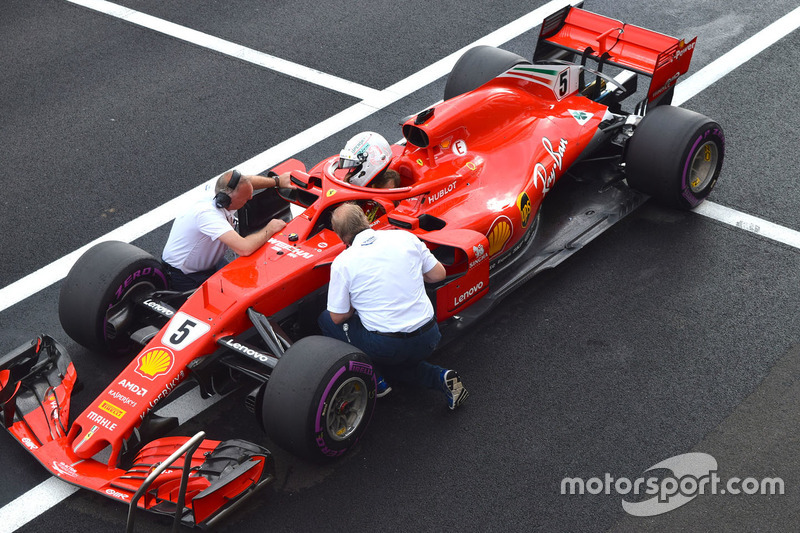 Sebastian Vettel, Ferrari SF71H in the pitlane