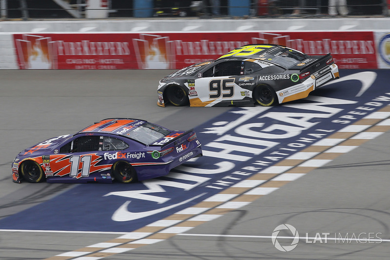 Denny Hamlin, Joe Gibbs Racing, Toyota Camry FedEx Freight Kasey Kahne, Leavine Family Racing, Chevrolet