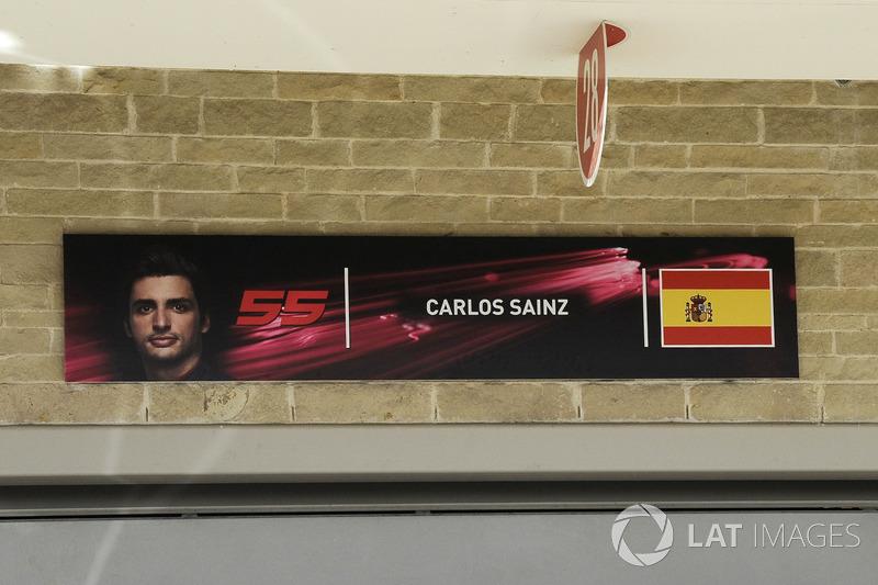 Garaje de Carlos Sainz Jr., Renault Sport F1 Team