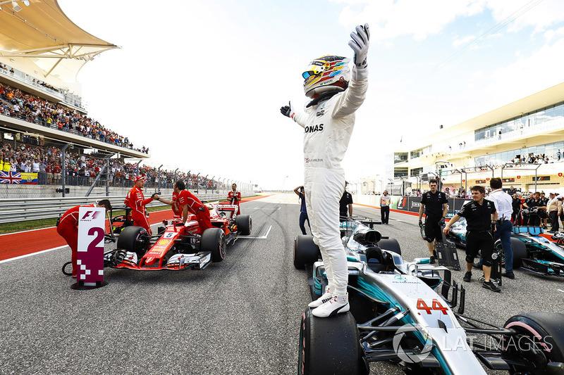 Ganador de la pole Lewis Hamilton, Mercedes AMG F1 W08