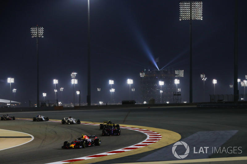 Max Verstappen, Red Bull Racing RB14 Tag Heuer, leads Brendon Hartley, Toro Rosso STR13 Honda, and Carlos Sainz Jr., Renault Sport F1 Team R.S. 18