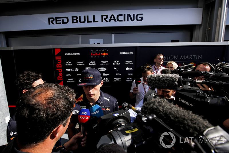 Max Verstappen, Red Bull Racing parla con i media