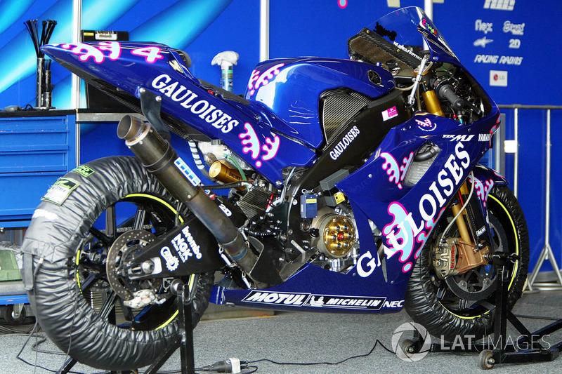 Gauloises Yamaha - Alex Barros - GP del Pacifico 2003
