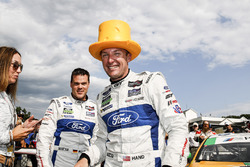 Подіум у класі GTLM: переможці Дірк Мюллер, Джоі Хенд, Chip Ganassi Racing Ford