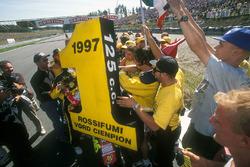 Valentino Rossi, Aprilia celebrate with fans