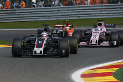 Romain Grosjean, Haas F1 Team VF-17 battles, Sergio Perez, Sahara Force India VJM10