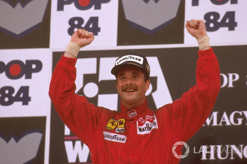 Podio: ganador de la carrera Nigel Mansell, Ferrari