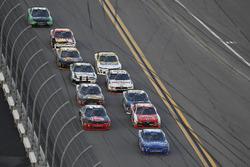 Race action, Elliott Sadler, JR Motorsports Chevrolet leads
