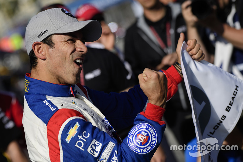 Polesitter: Helio Castroneves, Team Penske, Chevrolet