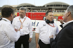 Ross Brawn, Managing Director del Motorsport, FOM, Zak Brown, Direttore Esecutivo, McLaren Technology Group