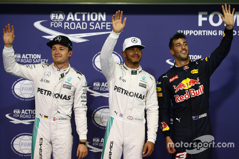 Ganador de la pole Lewis Hamilton, Mercedes AMG F1, segundo Nico Rosberg, Mercedes AMG F1, tercero Daniel   Ricciardo, Red Bull Racing