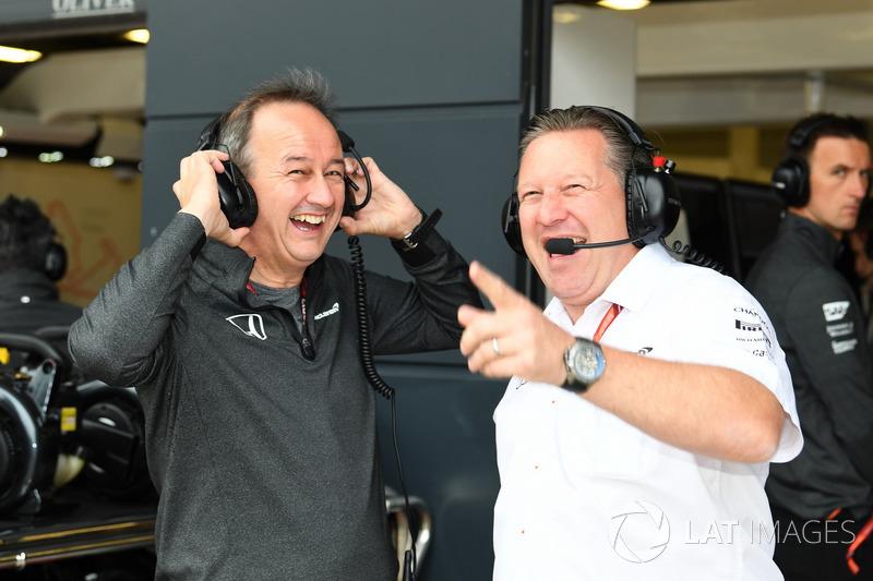 Керівний директор McLaren Джонатан Ніл, виконавчий директор McLaren Зак Браун